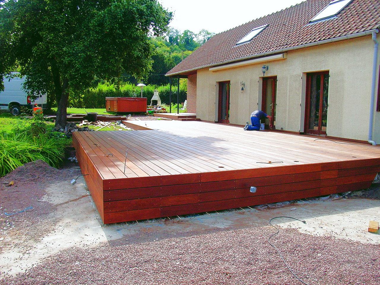 Construire Une Terrasse En Bois Dans Son Jardin -  de l'environnement L'entretien de votre terrasse est donc